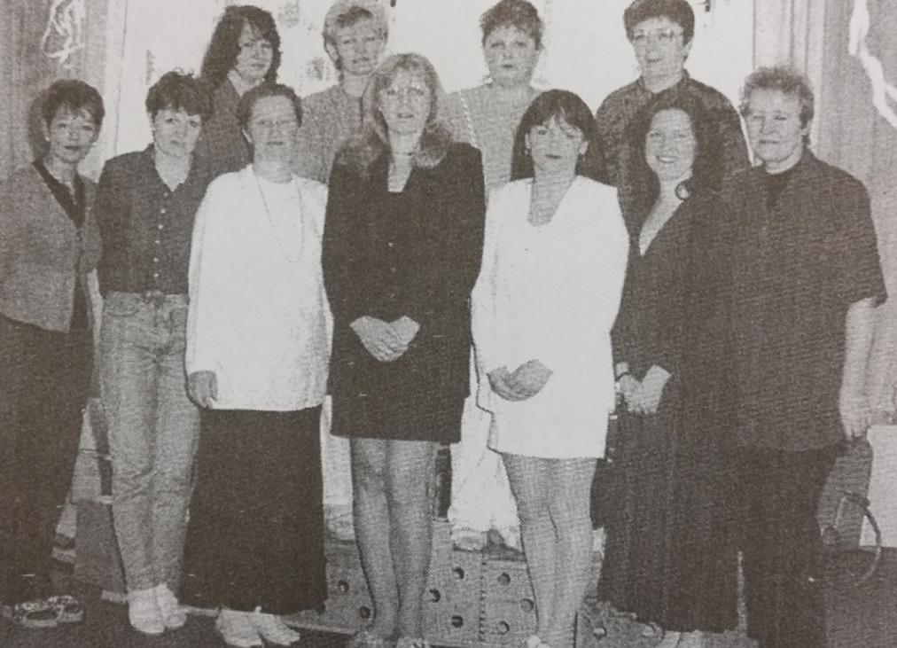 zaměstnankyně v roce 2000